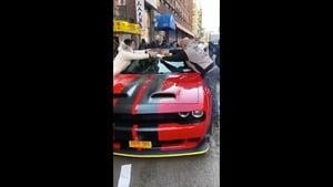 中共官二代在美國開豪車為「武漢加油」惹議