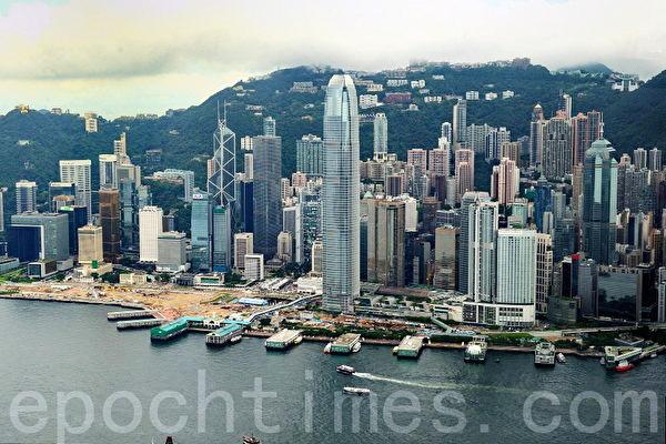 2013年國際金融中心排名統計顯示,香港首次超越東京,晉身第三位。香港金融中心地位屹立不倒。(宋祥龍/大紀元)