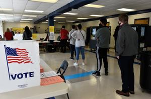 組圖:佐治亞州選民進行參議員決選投票