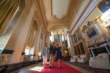布倫海姆宮的長型圖書館,裝有威爾斯管風琴和超過一萬本藏書。(布倫海姆宮提供/Blenheim Palace)