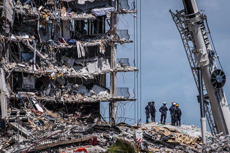 邁阿密大樓倒塌 一消防員7歲女兒不幸遇難