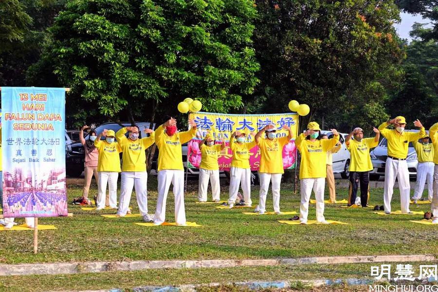印尼電視台全程採訪法輪大法日慶祝活動