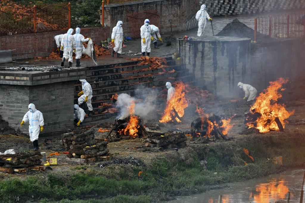 根據紅十字會與紅新月會國際聯合會(IFRC)援引的政府數據,上周末,尼泊爾病毒測試陽性率高達44%,警告即將發生危機。 (PRAKASH MATHEMA/AFP)