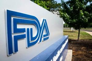 FDA批准20年來首個老年癡呆新藥 藥商股價飆升