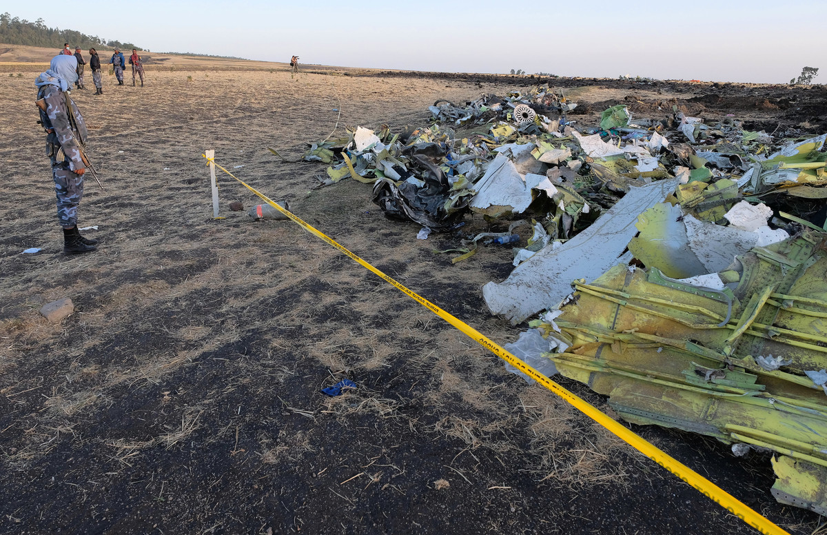 埃塞俄比亞航空公司高管表示,上周日該公司失事航班在墜毀前,機長曾向塔台通報遭遇「飛行控制問題」,並要求返回機場。(Jemal Countess/Getty Images)