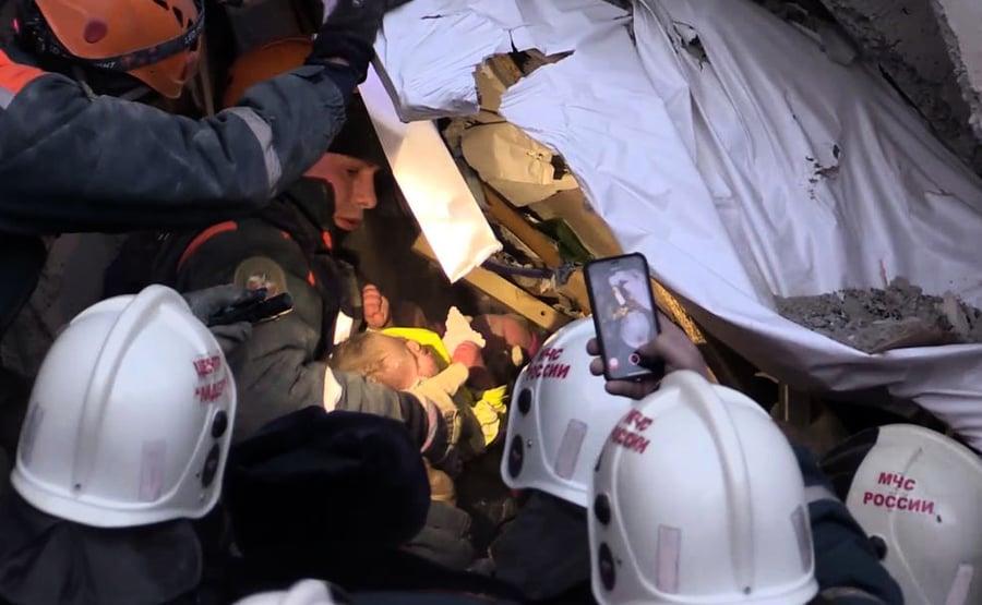 俄國大樓氣爆後35小時 男嬰廢墟中奇蹟獲救