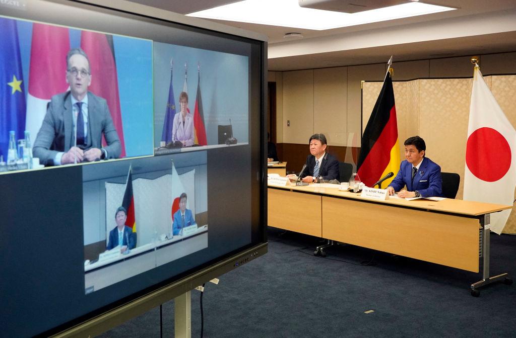 2021年4月13日,德國和日本的外長及防長舉行2+2視訊會談。(FRANCK ROBICHON/POOL/AFP via Getty Images)