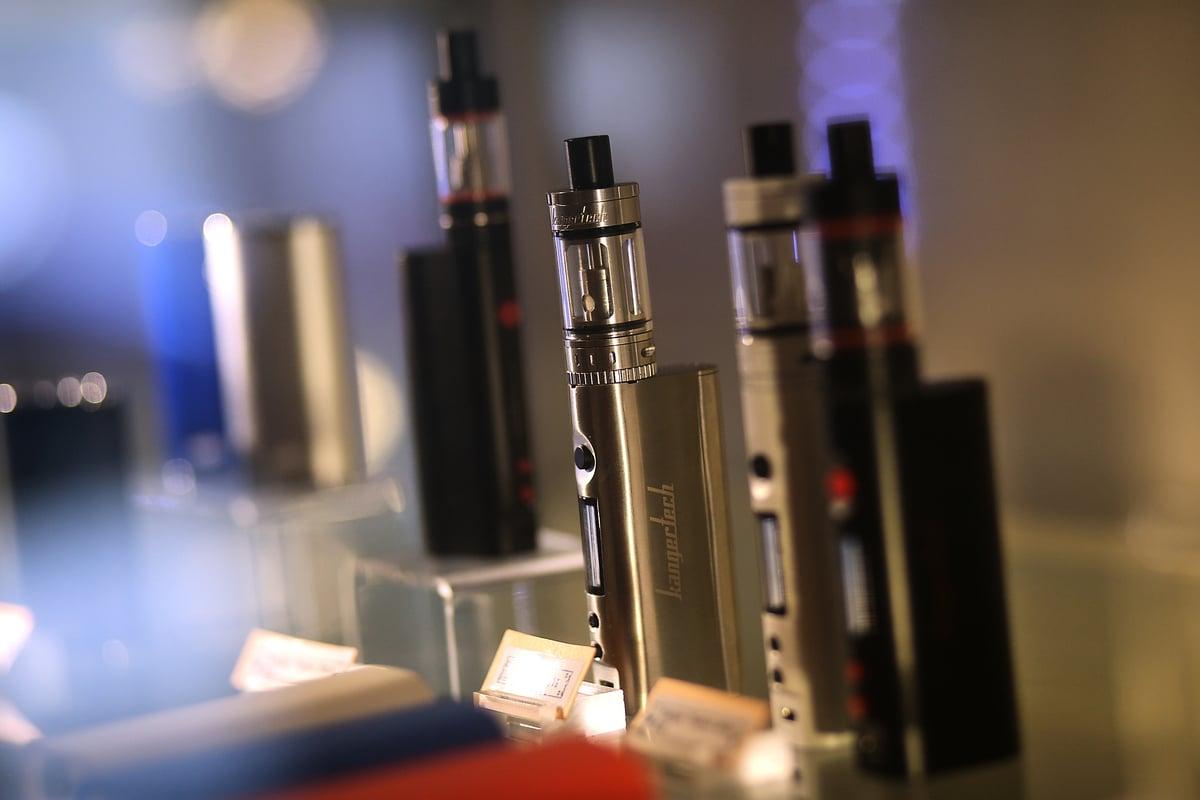 由於越來越多的青少年學生濫用電子煙,帶來一系列問題。新澤西多個學區對電子煙製造商「Juul實驗室」(Juul Labs, Inc)提起了訴訟。(Justin Sullivan/Getty Images)