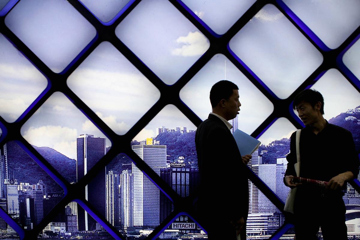 幾十年來,長時間上班和過度加班在中國的製造行業司空見慣。現在,這種長時間工作的文化傳播到了中國的白領辦公室。(Getty Images)