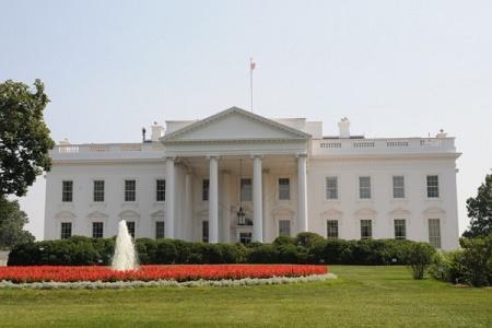 特朗普與希拉莉誰將入主白宮?美國兩黨專家近日給出了截然不同的預測。(EET/大紀元)