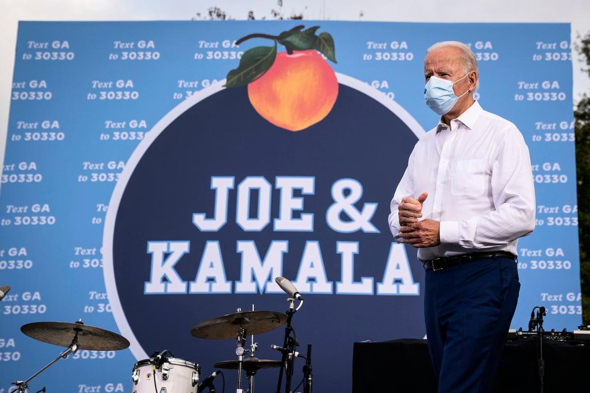 美國民主黨總統候選人祖‧拜登(Joe Biden)10月27日出席佐治亞州亞特蘭大的演講集會;這是他在佐治亞州第二場競選集會,也是他獲得總統提名後首次訪問該州。(Drew Angerer/Getty Images)