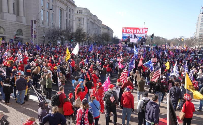 美民眾再聚首都 向神祈禱 堅信特朗普必勝