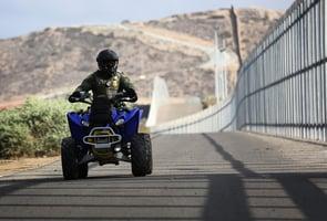 美加墨邊境封鎖再延期1個月 特朗普:年底將開放