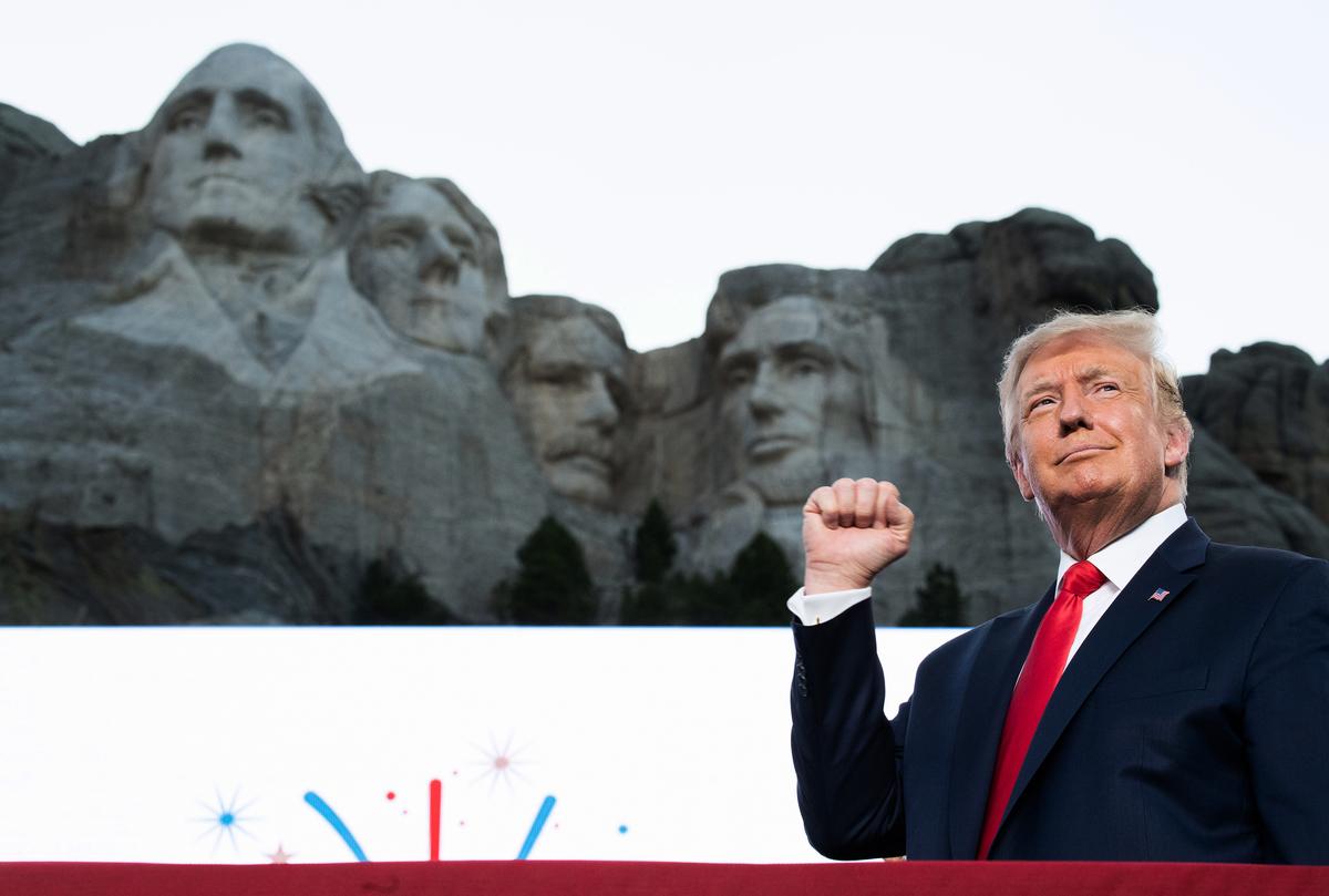 2020年7月3日,特朗普在「總統山」發表講話。(SAUL LOEB/AFP)