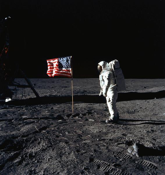1969年7月16日,美國的阿波羅11號(Apollo 11 )登月計劃,實現3名太空人在7月20日成功登陸月球。(AFP PHOTO / NASA)