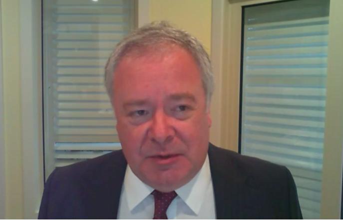 2021年1月27日,澳洲戰略政策研究所執行董事彼得·詹寧斯(Peter Jennings),以遠程視訊的方式,參加了美國國會下屬機構——中美經濟與安全評估委員會(USCC)舉行的聽證會。(USCC影片截圖)