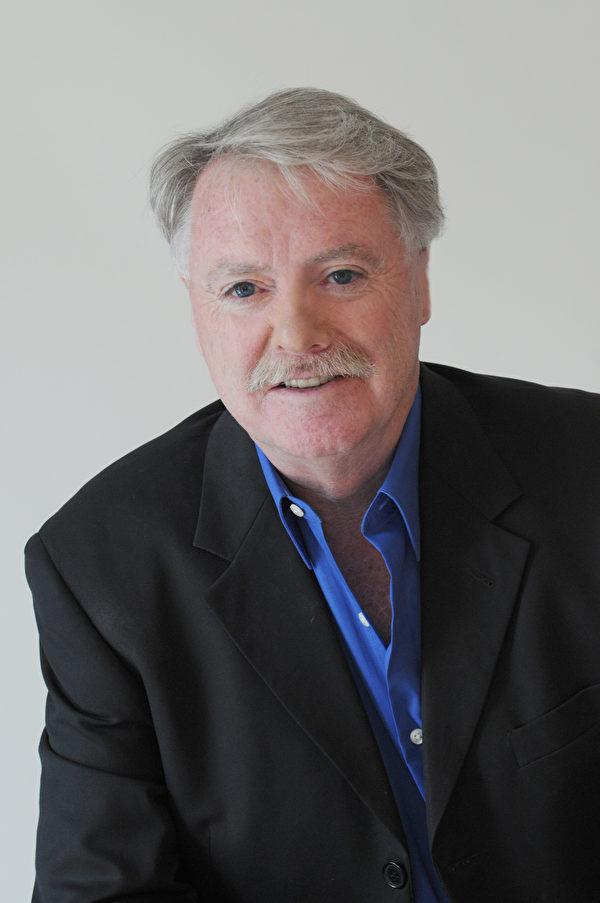 安省薩尼亞市(Sarnia)市長Mike Bradley向加拿大法輪大法學會表達祝賀。