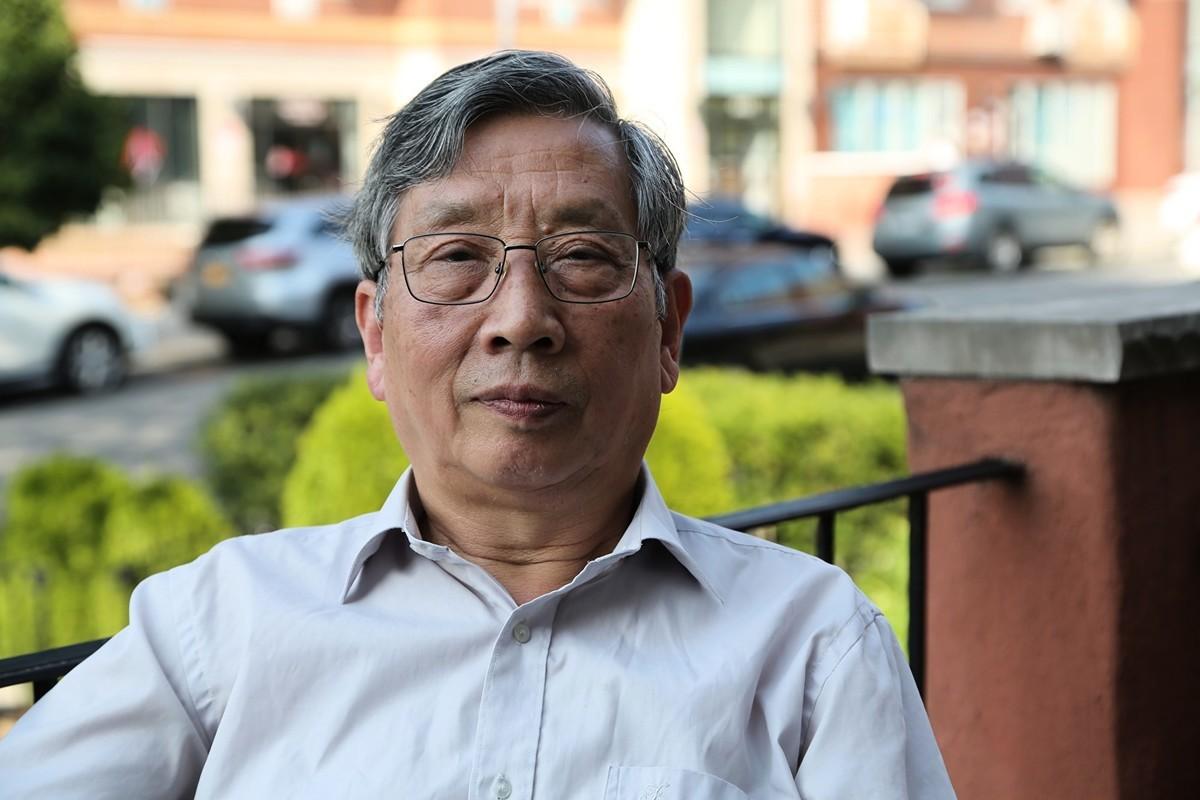 《北京之春》榮譽編輯、「中國人權」執行董事胡平先生日前接受《大紀元》採訪時表示,法輪功學員歷經磨難,經受了歷史的考驗。(施萍/大紀元)