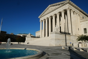 美高院:持臨時保護身份非法入境者不得拿綠卡