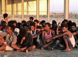 利比亞難民翻船至少150死 今年最嚴重船難