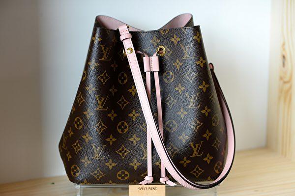 LVMH是最有價值的奢侈品牌,圖為LV包包。 (Photo credit should read JEAN-FRANCOIS MONIER/AFP/Getty Images)