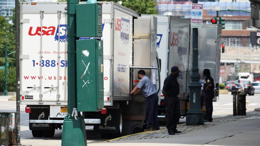 請來碎紙卡車 紐約中領館大規模銷毀文件