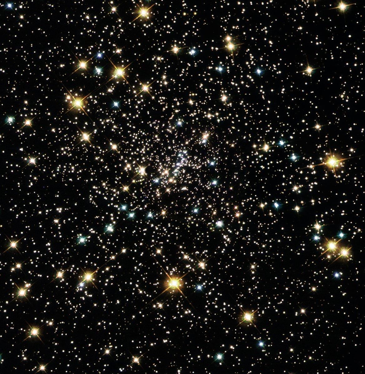 球狀星團NGC 6397的哈勃照片。(NASA/ESA and the Hubble Heritage Team(AURA/STScI))