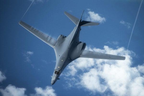 2020年2月27日,美軍B-1B轟炸機飛往日本海,日本空中自衛隊聯合訓練。(美國空軍)