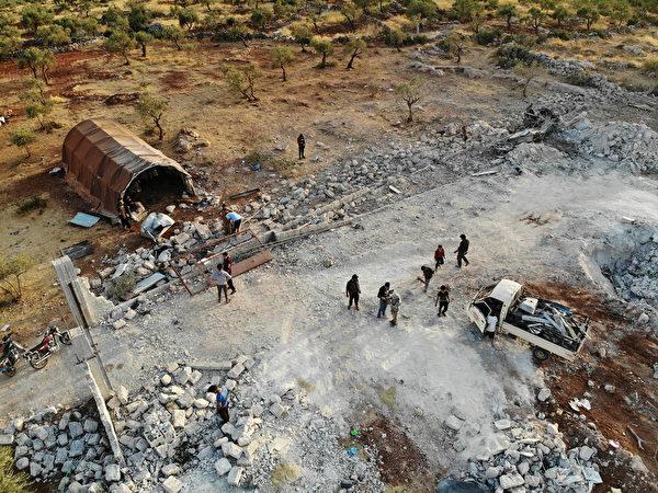 伊斯蘭國(ISIS)最大頭目巴格達迪10月26日在美軍的突擊行動中被殲滅,引發全球轟動。圖為美軍突襲後的現場空拍照。(OMAR HAJ KADOUR/AFP via Getty Images)