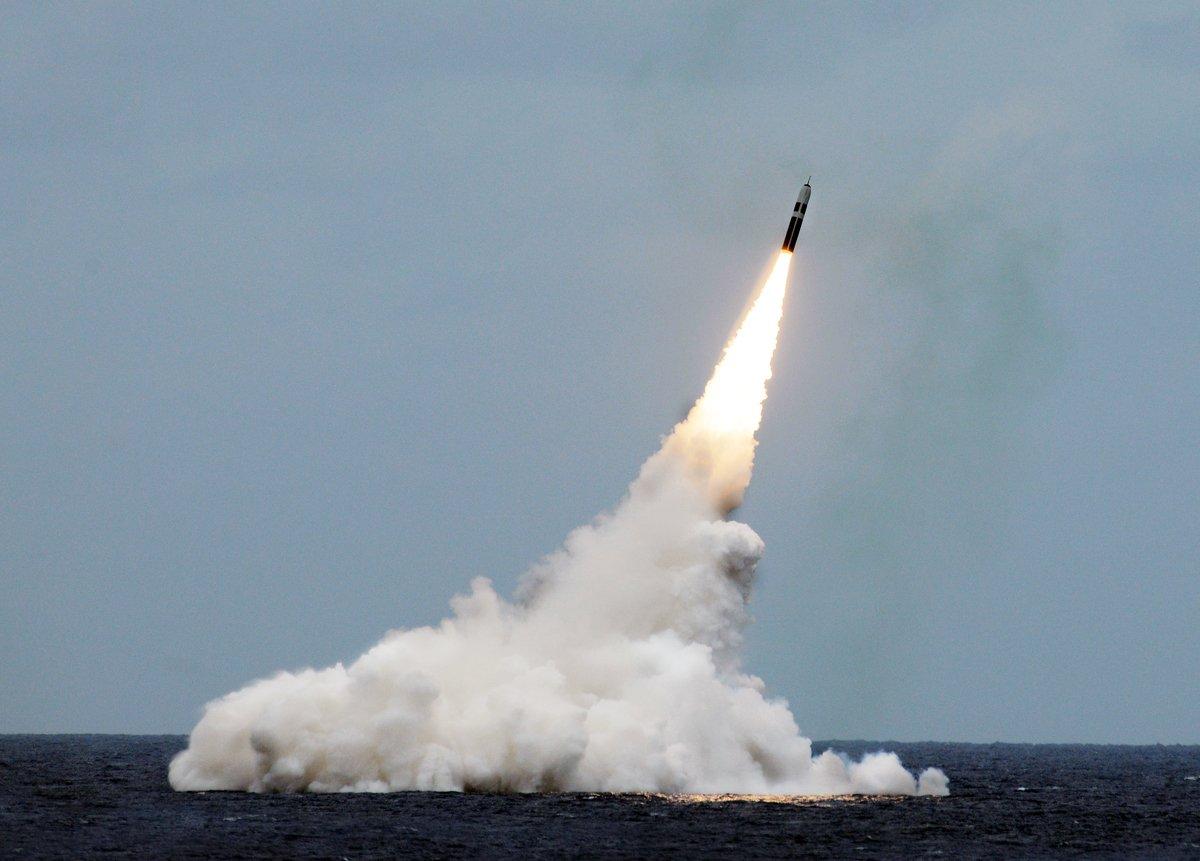 2016年8月31日,在佛羅里達州沿海地區進行的導彈測試中,俄亥俄州級彈道導彈潛艇USS馬利蘭號(SSBN 738)發射了三叉戟二型(Trident II D5)導彈。(美國海軍)