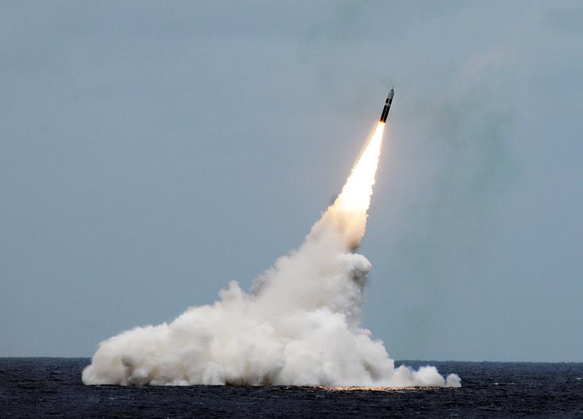 沈舟:美國防部透露核彈頭部署1550枚