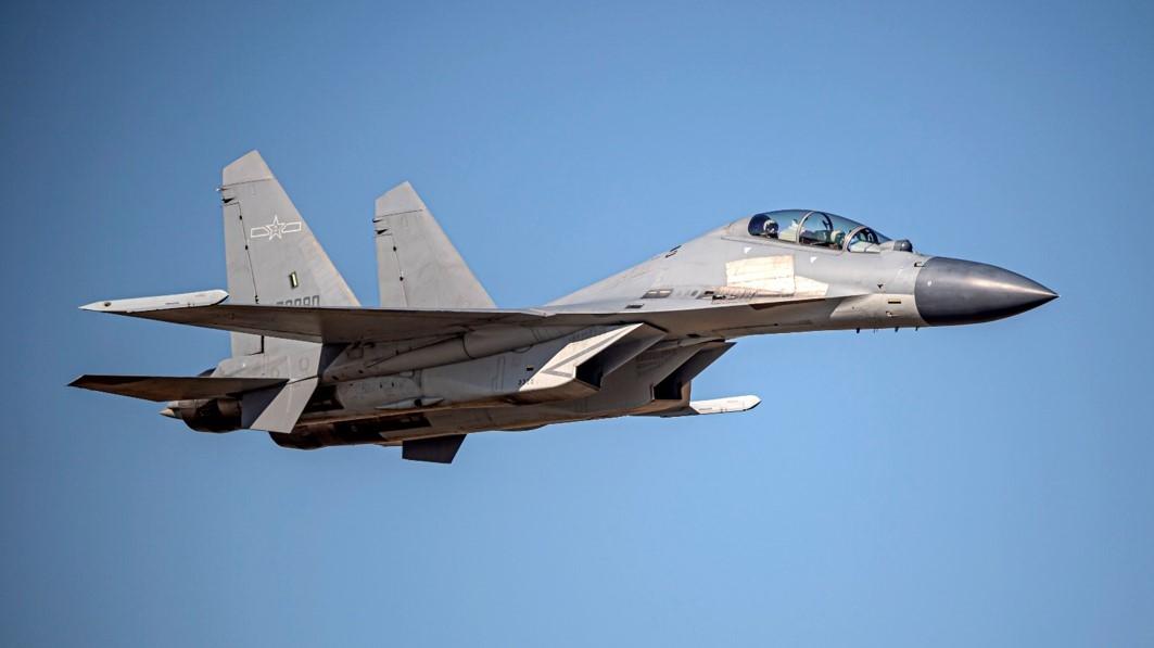 中華民國國防部2021年4月20日發佈共機動態,共有9架共機侵擾台灣西南防空識別區。圖為殲16同型機。(台灣國防部提供)