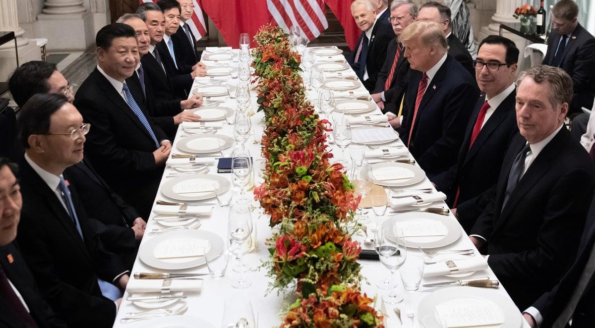 2018年12月1日,美國總統特朗普與中國國家主席習近平在G20峰會期間的雙邊會晤。(SAUL LOEB/AFP)