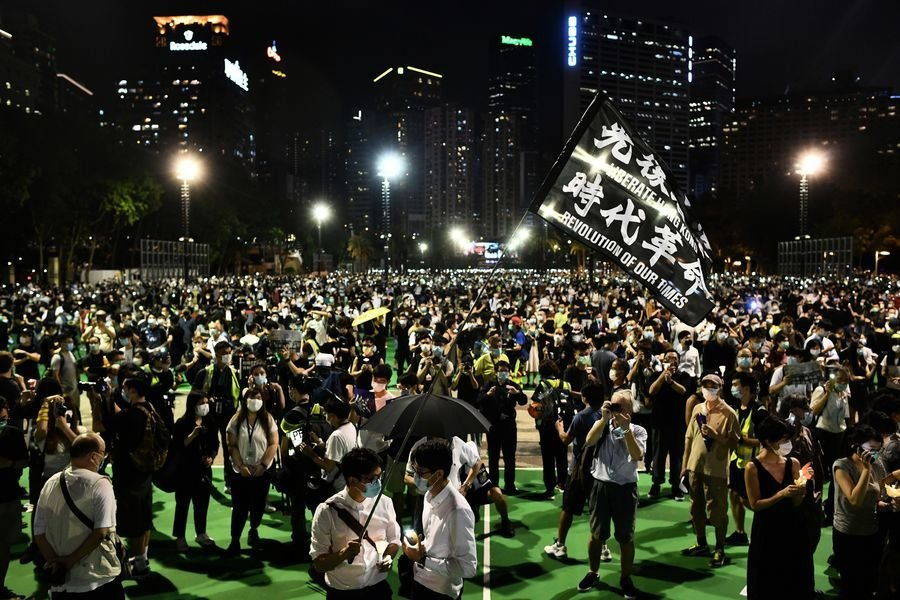 組圖:港人聚集維園 燭光晚會悼念六四