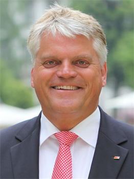 德國政府促進全球宗教自由專員、國會議員格魯伯(Markus Grubel, MdB, CDU)(明慧網)