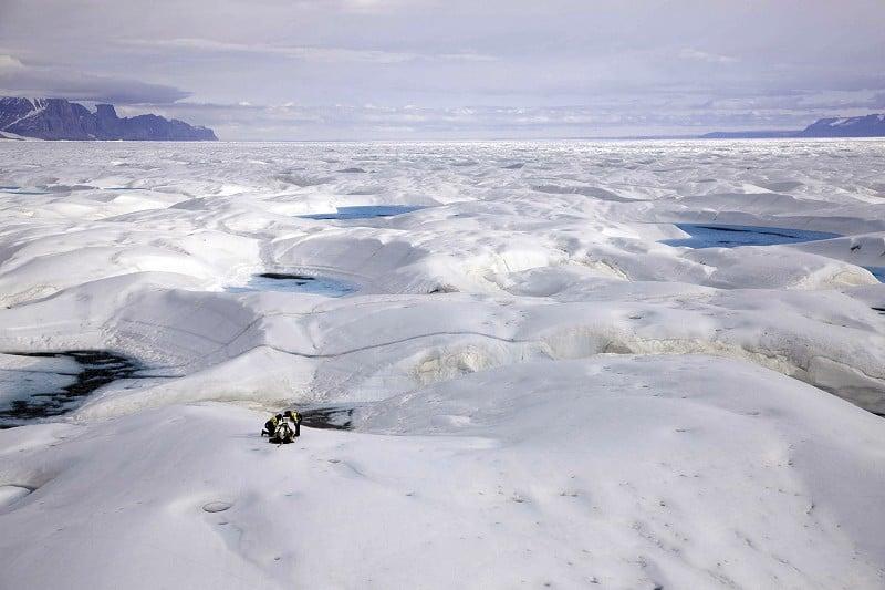 丹麥國防情報局報告顯示,中共軍隊正在通過在北極的研究為渠道,加大涉足北極。(Handout/Greenpeace/ AFP)