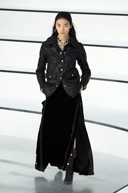 圖為2020年3月3日巴黎,Chanel參加2020/2021秋冬巴黎時裝周。(Pascal Le Segretain/Getty Images)