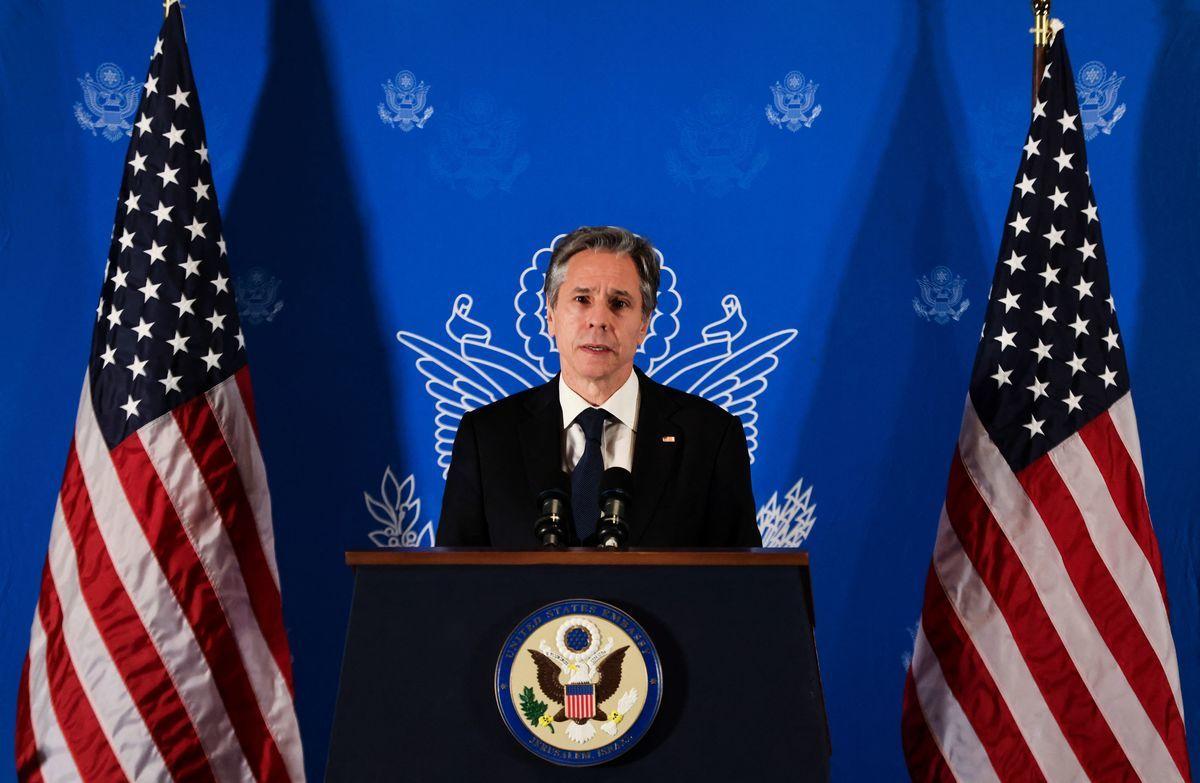 2021年5月25日,美國國務卿安東尼·布林肯(Antony Blinken)在耶路撒冷的新聞發佈會上講話。(RONEN ZVULUN/POOL/AFP via Getty Images)