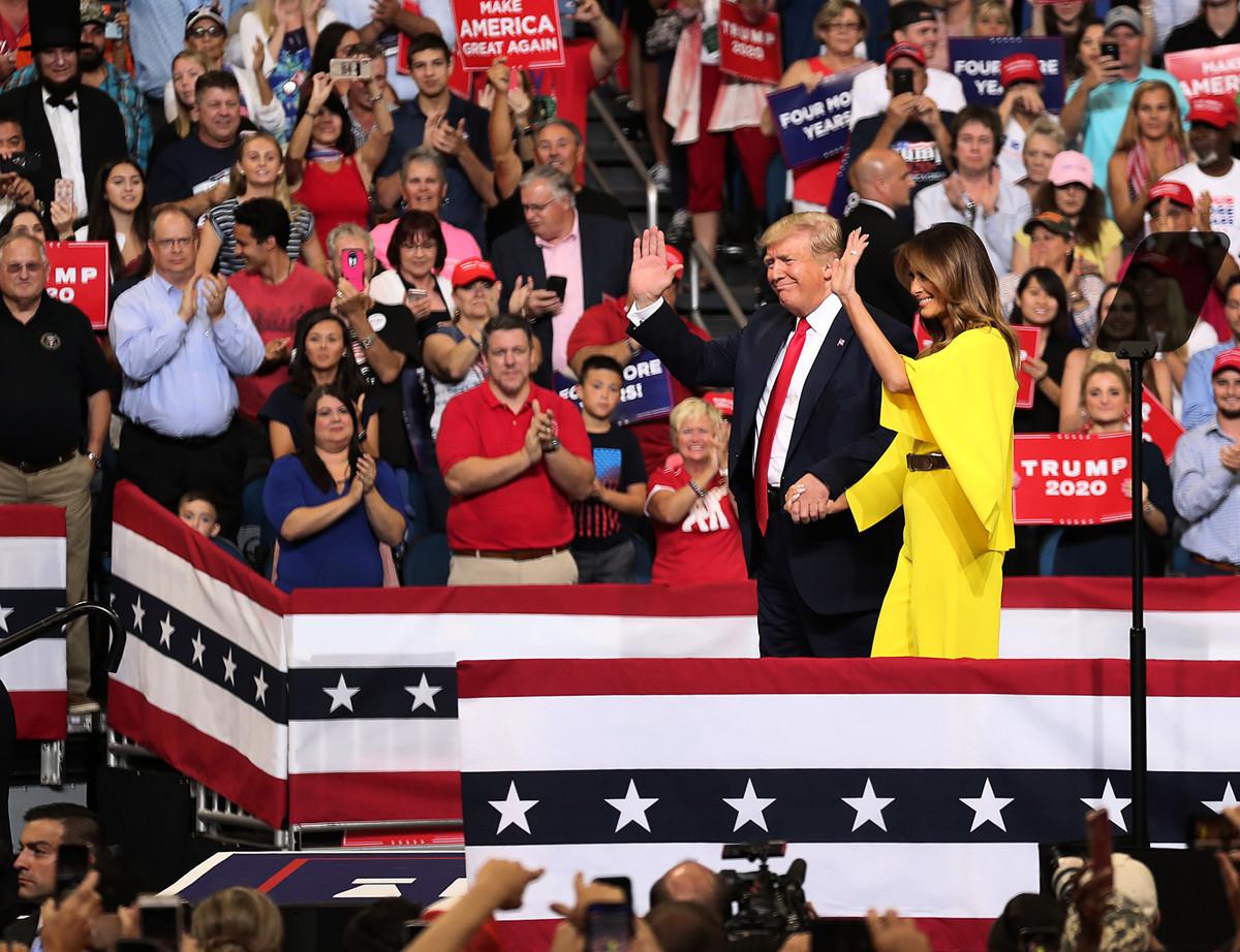 6月18日,特朗普攜夫人現身佛州奧蘭多造勢晚會,向超過2萬名支持者宣佈:正式啟動2020年競選系列活動!(Joe Raedle/Getty Images)