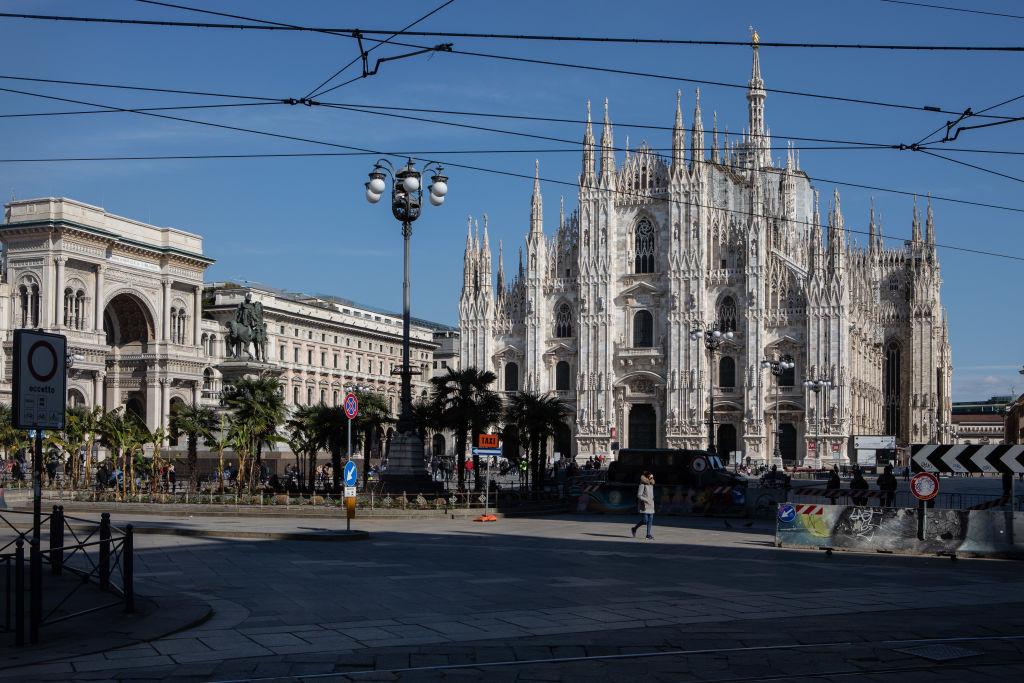 2020年3月8日,意大利總理孔戴(Giuseppe Conte)宣佈進入「國家緊急狀態」,並對倫巴第和威尼托地區(該國約有四分之一的人口)實施了隔離措施。圖為3月8日的米蘭大教堂。(Emanuele Cremaschi/Getty Images)