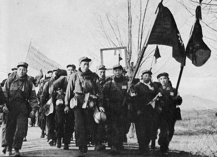 1954年,志願軍戰俘赴台灣。(公有領域)