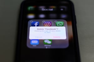 臉書洩密為何吃驚?美媒揭其商業模式