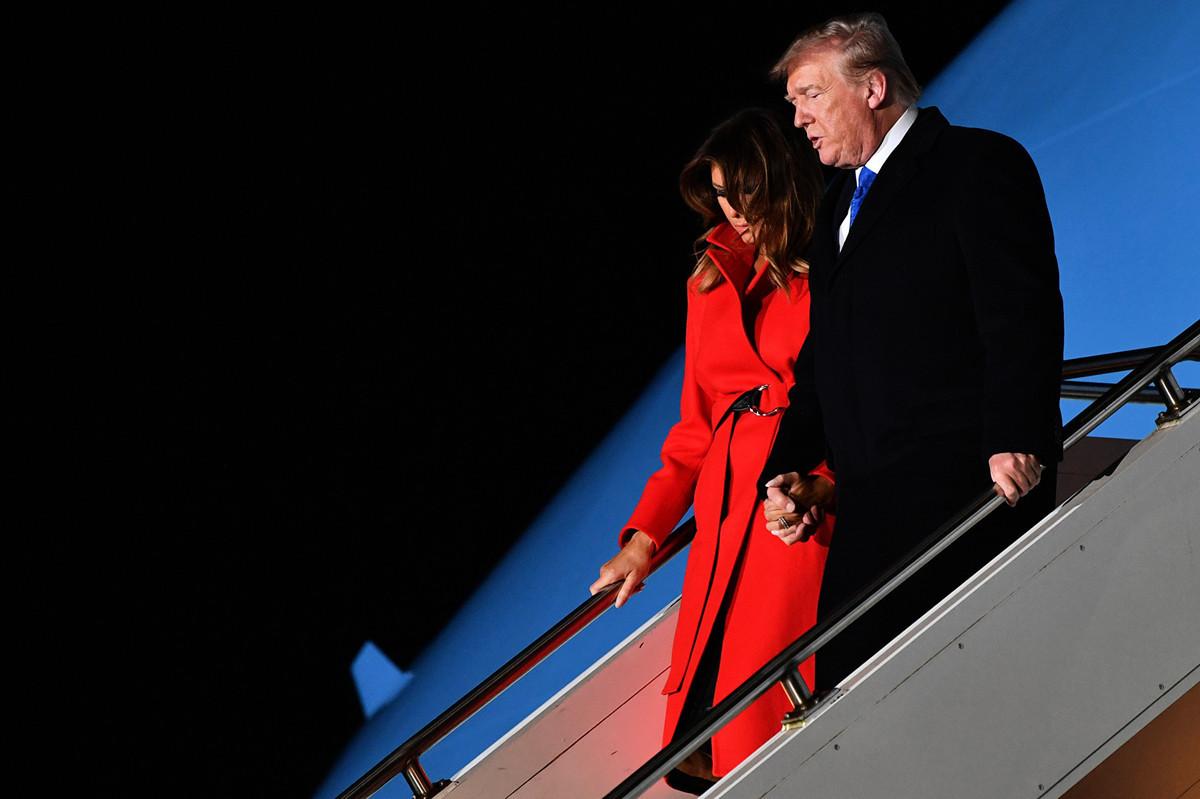 特朗普去英國參加北約峰會,5件事情值得關注。圖為特朗普夫婦抵達英國。(Nicholas Kamm/AFP)