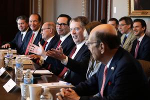 美參議員籲財長堅定對中共談判強硬立場