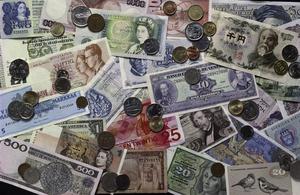 人民幣破7 全球股市出現「黑色星期一」