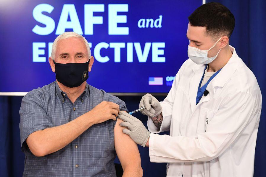 彭斯公開接種疫苗 助美國人建立信心