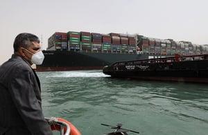 台灣巨輪擱淺蘇伊士運河 全球貨貿日損96億
