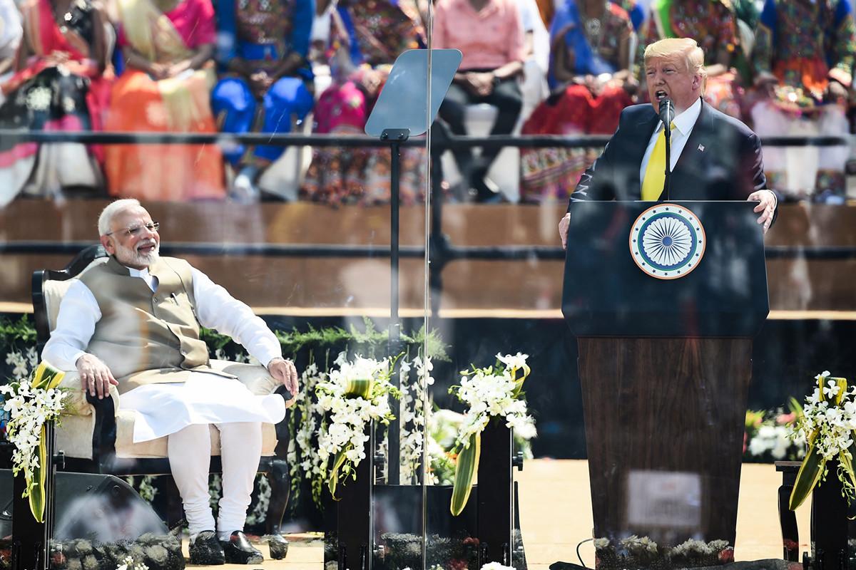 2月24日,美國總統特朗普在印度的摩特拉體育館(Motera Stadium)發表講話。(Money SHARMA/AFP)
