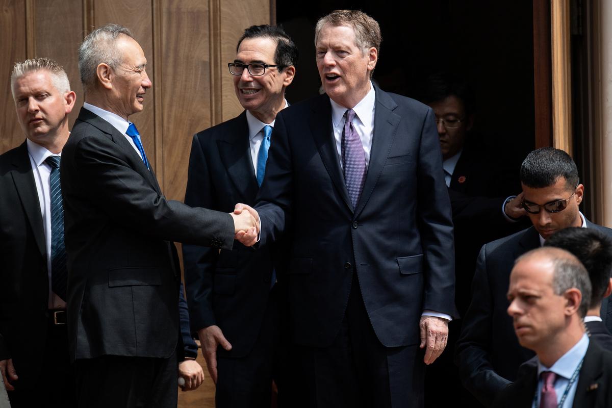 在周五的貿易談判中,美方向中方提出了底線。(SAUL LOEB/AFP)