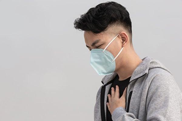專家警告,過早接種第3劑,恐怕增加心肌炎的副作用。(Shutterstock)